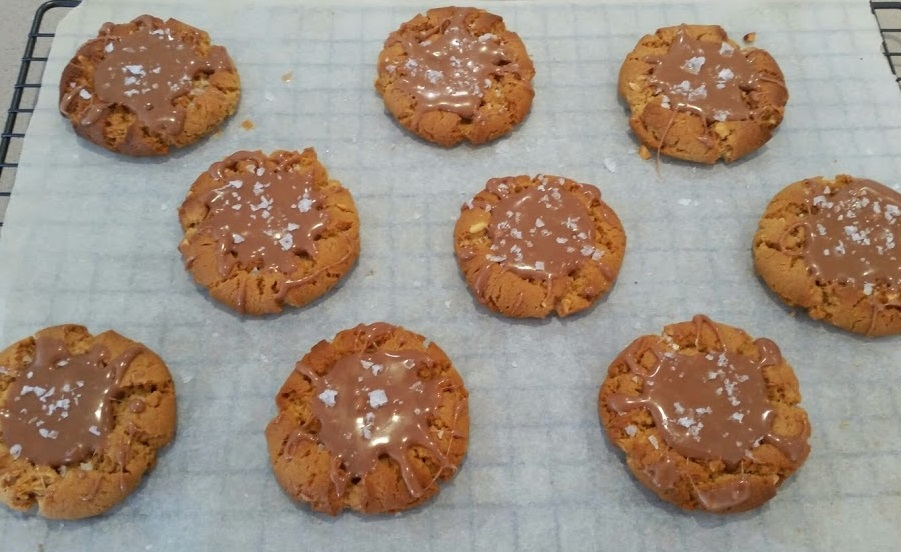 Salted Caramel Crispy Peanut Butter Cookies | Whiskey & Chanel