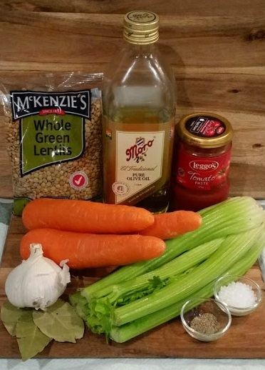 Best Lentil Soup Recipe (vegan/vegetarian/gluten free) | www.whiskeyandchanel.com